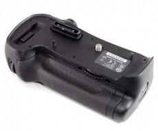 C038 8204 Nikon mbd12 001